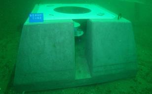 2010 / 1 ~ 3 アシカ島 新型海象計による海象観測ステーション改良業務
