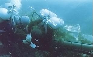 海底ケーブル防護管取付