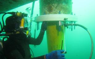 2018年 海象計メンテナンス、名瀬港、白島ケーブル工事